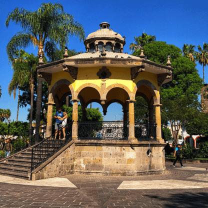 Guadalajara y Tlaquepaque, tour personalizado, guia, artesanías, sitios emblemáticos, mariachi.