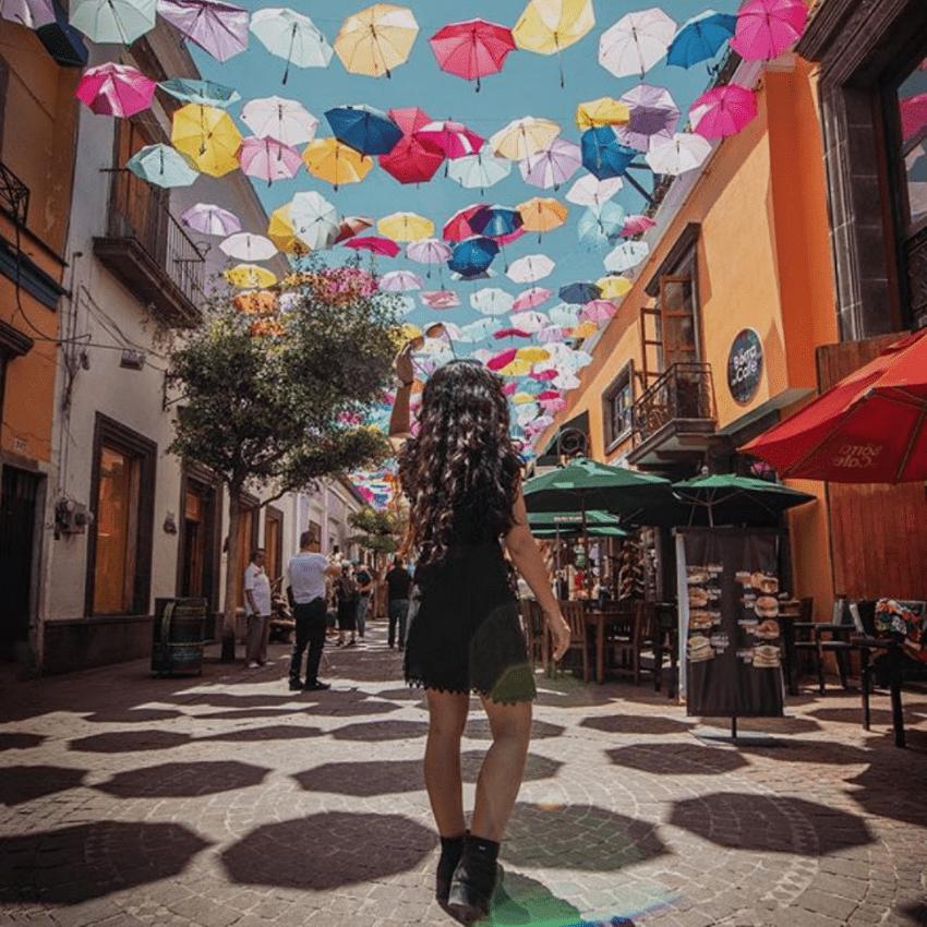 CAMINANDO POR TLAQUEPAQUE - Tours en Guadalajara